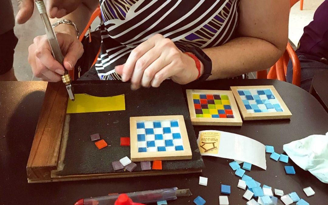 Oficina de Mosaico em Vidro: Aprendendo de um Jeito Divertido